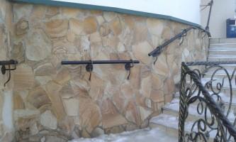 Материал Цветной в изделии - облицовка лестницы