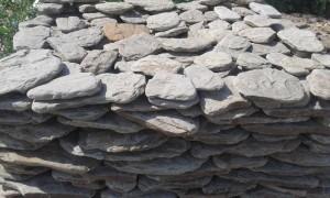 Камень обработанный природный натуральный галтованный Дракон