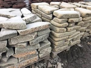 Ростов камень галтованный Толстяк серо-зеленый песчаник недорого купить